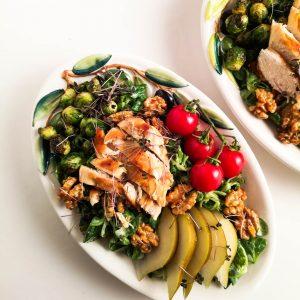 Herbstsalat mit Gorgonzoladressing, Hühnerfilet, Birnen und Kohlsprossen | Foodblog | Lieblingsspeise.at