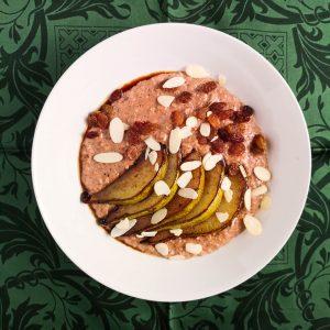 Porridge mit Kakao und karamellisierter Birne | Rezept | Foodblog | Lieblingsspeise.at
