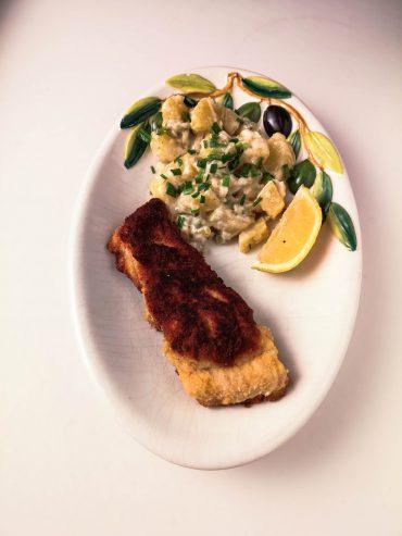 Gebackener Karpfen   Mayonnaise-Kartoffel-Salat   Rezept   Lieblingsspeise.at